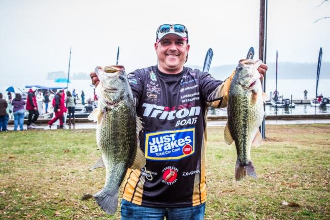Rob Digh has stayed consistent and it is paying off. He sits in fifth place with 48 pounds, 9 ounces after day two.