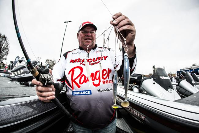 Billy Brindle used a Hog Farmer umbrella rig with blades and 4 1/2-inch blue gizzard shad-colored Strike King Shadalicious Swimbaits for his catch.