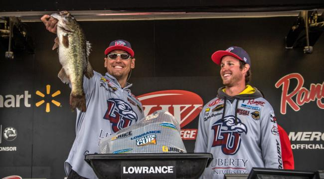 /news/2015-04-17-liberty-university-leads-day-one-of-flw-college-fishing-national-championship-on-lake-murray