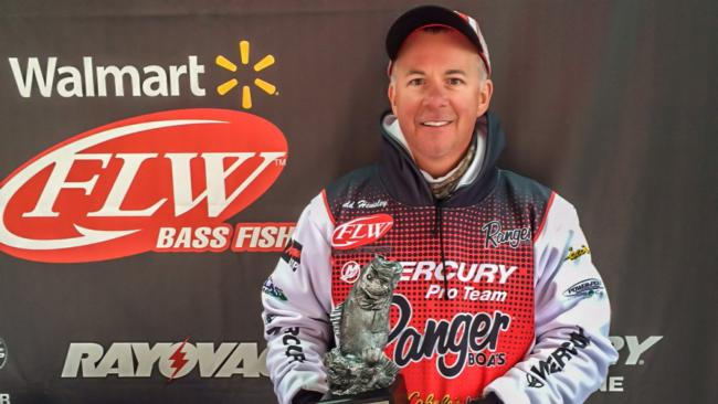 /news/2015-04-30-hensley-targets-bank-for-active-fish