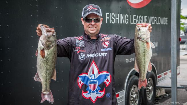 Tom Redington dropped into second place after day two. He has a 46-6 total heading into the final day.