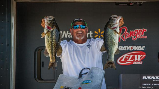 Greg Jeter leads the co-angler division with 34-6.