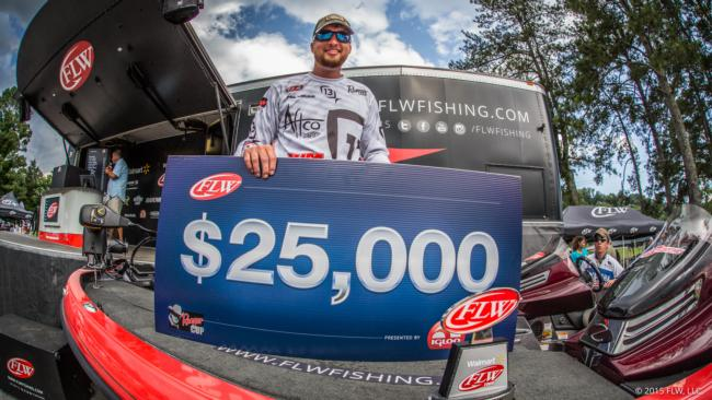 /news/2015-06-12-lafleur-earns-co-angler-win
