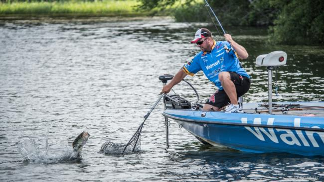 Flw fishing david walker angler profile for Fish table sweepstakes near me
