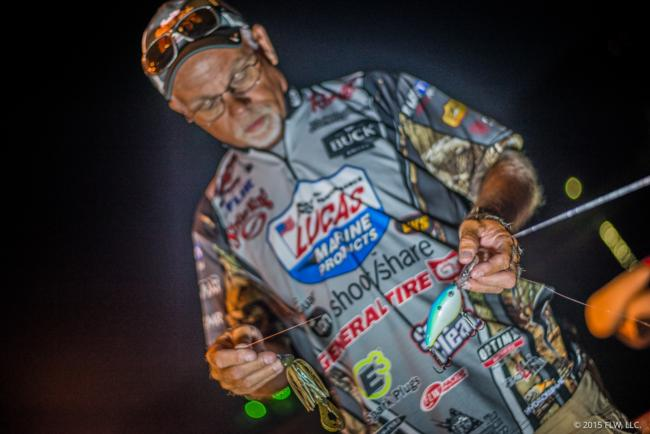 A day-one bag of nearly 30 pounds keyed Bill McDonald's top-10 finish. His key baits were a Strike King 8XD and a 1-ounce blue craw-colored Strike King Structure Jig.