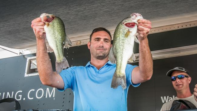 /news/2015-08-15-smith-takes-co-angler-title-at-dardanelle