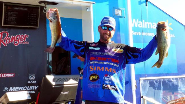 /news/2015-10-19-walters-wins-walmart-bass-fishing-league-regional-tournament-on-lake-wateree-presented-by-evinrude