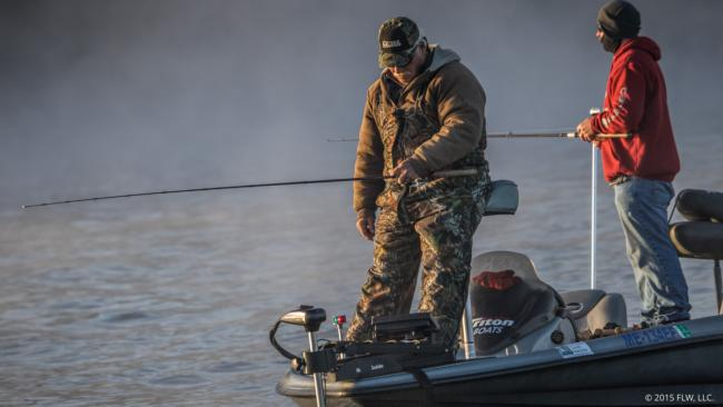 David Barnes Sr. drags for smallmouth on the Tennessee.