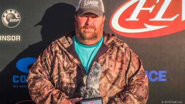 Co-angler Harold Grizzle of Gainesville, Ga., won the Feb. 6 Bulldog Division event on Lake Eufaula with four bass weighing 12 pounds, 7 ounces to claim a $2,000 check.