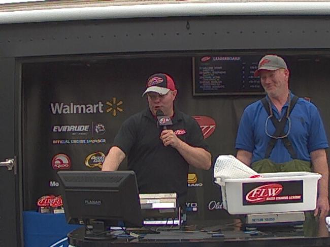 Flw fishing russell woodson angler profile for Walmart with live fish near me
