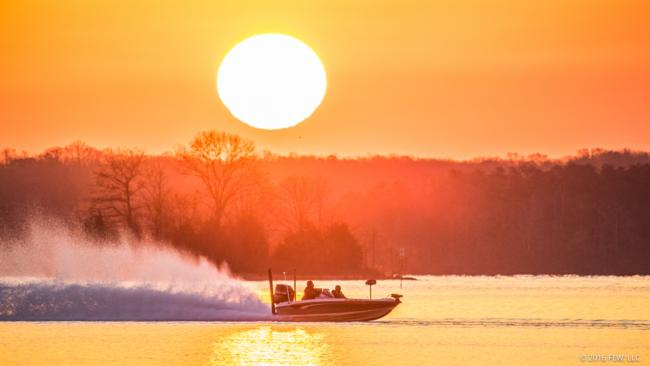 The sun welcomes the FLW Tour anglers on day one.