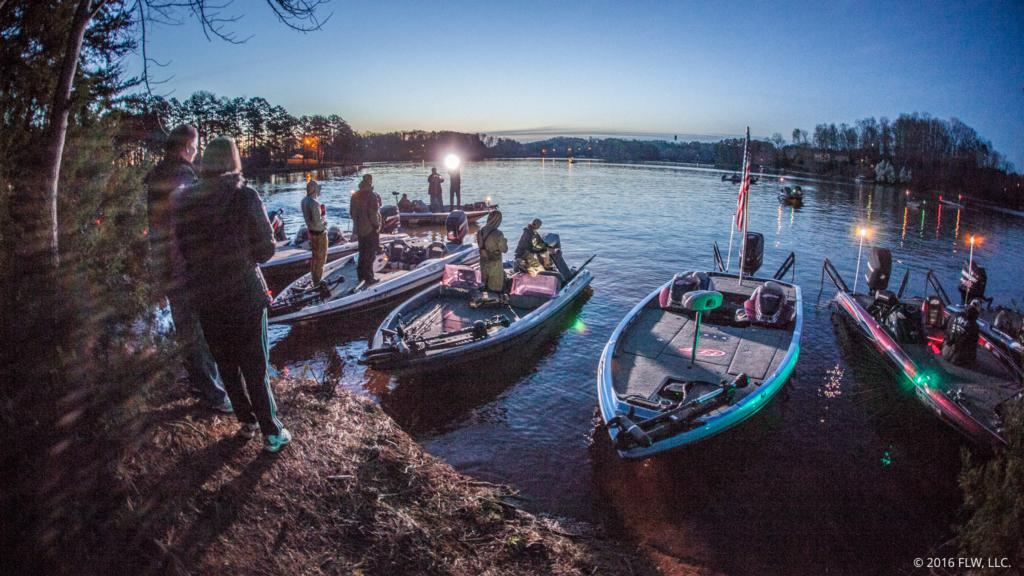 Keowee day 2 coverage flw fishing articles for Lake keowee fishing report