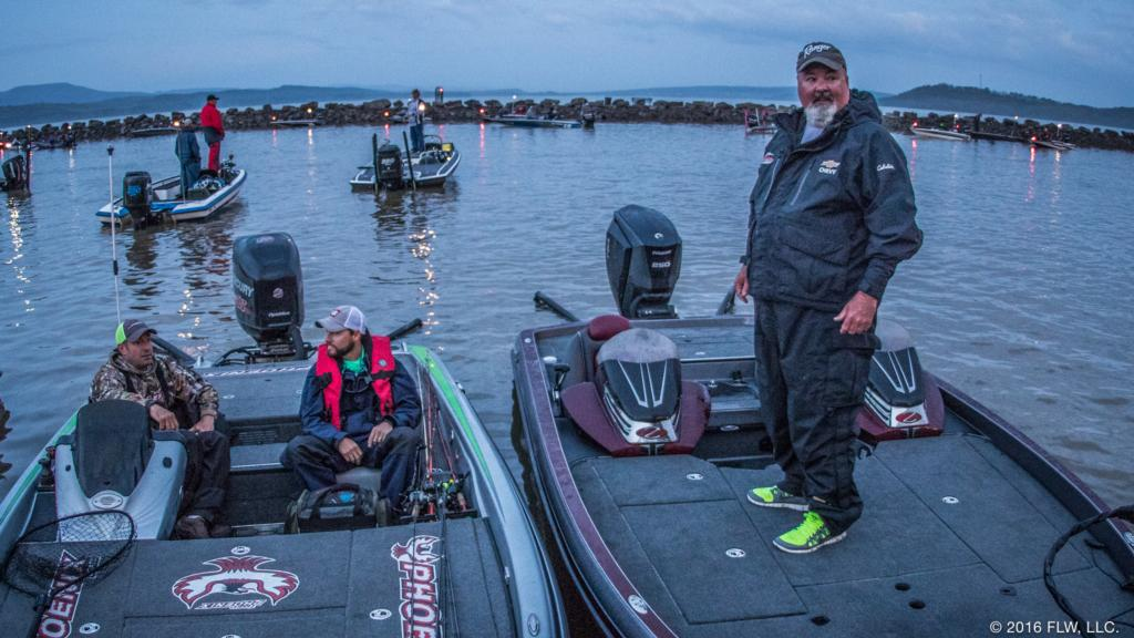 Anglers Face Up And Down Dardanelle Flw Fishing Articles