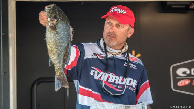 /news/2016-07-22-dobson-extends-lead-at-1000-islands