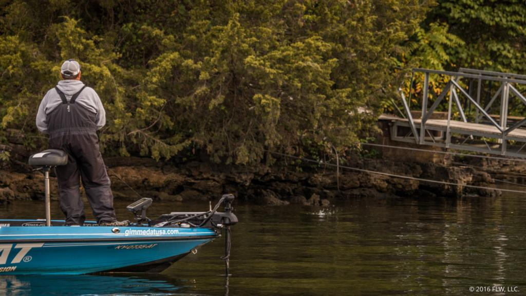 Waiting for fall on lake of the ozarks flw fishing articles for Lake of the ozarks fishing