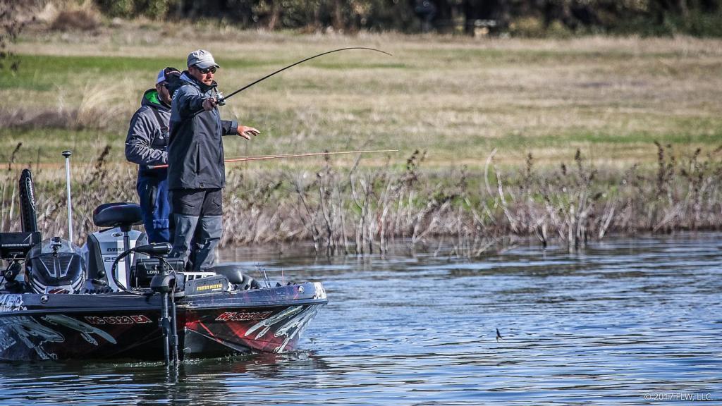 Lake travis top 5 patterns day 2 flw fishing articles for Lake bryan fishing