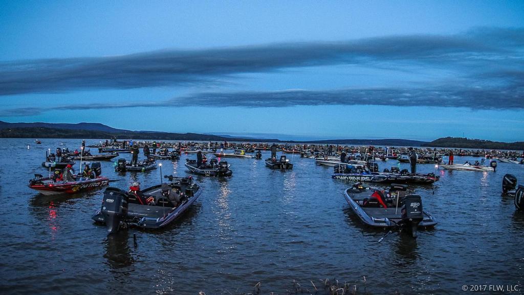 Dardanelle in flux flw fishing articles for Lake dardanelle fishing